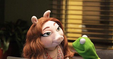 Kermit The Frog Finds New Girlfriend Just In Time For New