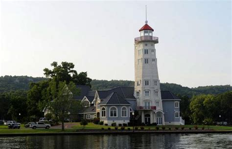 Lake Guntersville lighthouse could be yours; North Alabama