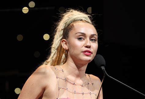 Miley Cyrus Performed 'I'm Your Man' and 'I'm a Woman' on