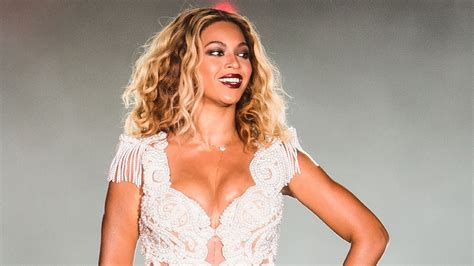 Beyonce Debuted Twin Babies Photos To Spite Kanye West And