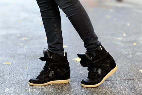 Fashion Tips: Sneaker Wedges Outfits For Girls To Appear