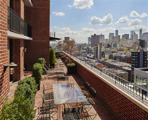 This NYC Party Penthouse Comes With a Huge Terrace And a