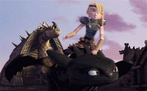 A clan? | School of Dragons | How to Train Your Dragon Games