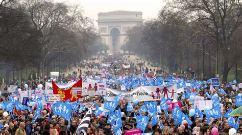 French Right Mounts Spirited Protests Against Gay Marriage