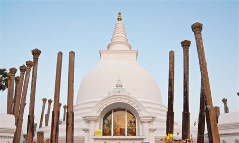A Look at the Famous Temples of Sri Lanka